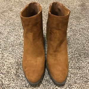 Qupid, Size 10, Tan Ankle Booties, NWOT